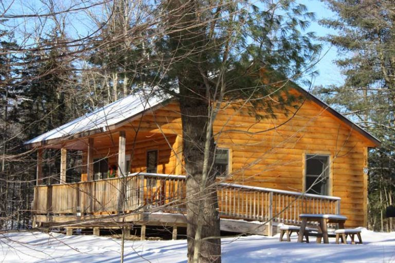 Log cabins with two bedrooms in winter | Sterling Ridge Resort