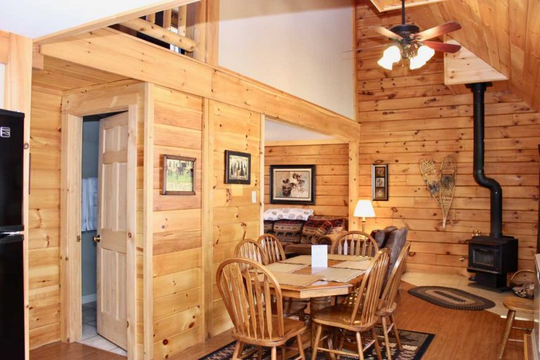 Wilderness 3 bedroom cabin living area   Sterling Ridge Log Cabin Resort