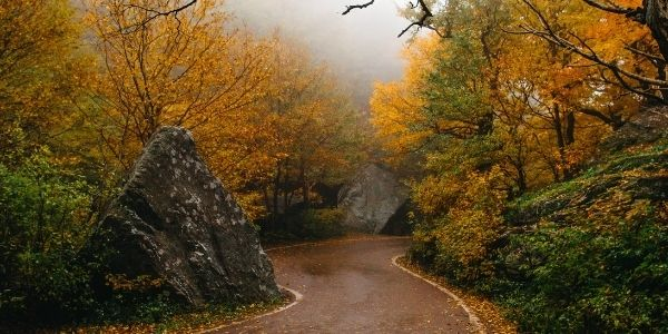 Read more about the article Vermont Fall Foliage: Smugglers Notch