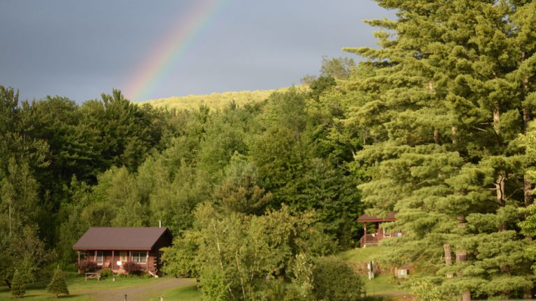 Read more about the article Social Distancing on Vacation: Things to Do in Vermont